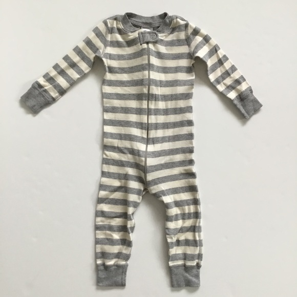 Hanna Andersson Other - Hanna Andersson Gray Stripe Sleeper Pajamas 80 cm